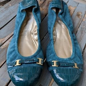 Tahari 'Veronica' Teal Blue Leather Flats Shoes 9M